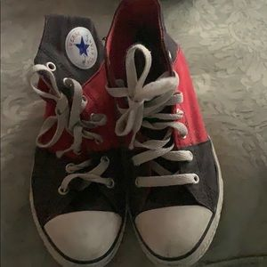 Converse black and red tennis shoes